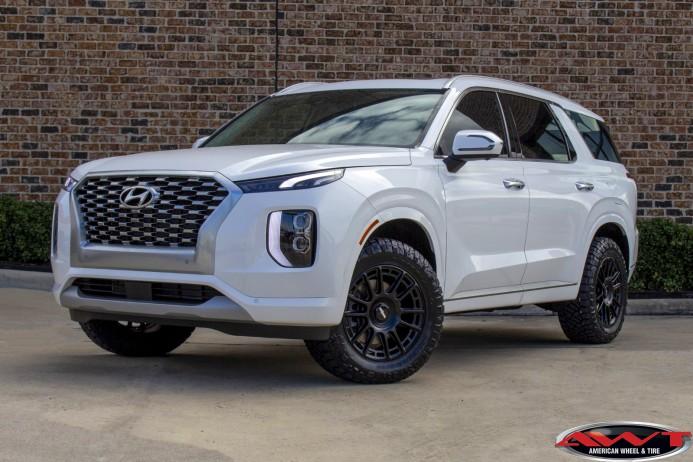 white 2021 hyundai palisade 2″ truxxx lift 18x8.5 rotiform ozr wheels Nitto Ridge Grappler tires