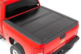 GM Low Profile Hard Tri-Fold Tonneau Cover (07-13 GM 1500 | 5.5' Bed W/O Rail Caps)