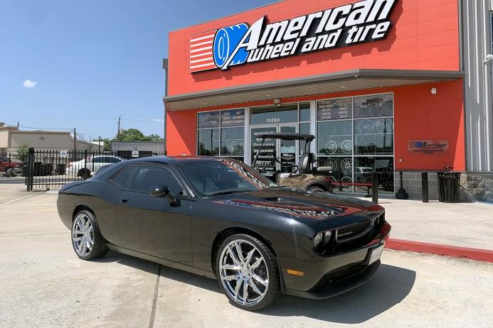 """Black 2013 Dodge Challenger 22"""" Lexani Venom Wheels Lionhart Tires"""