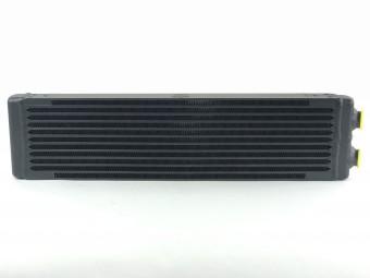 Universal Dual-Pass Oil Cooler / RSR Porsche / M22 x 1.5 / 24L x 5.75H x 2.16W